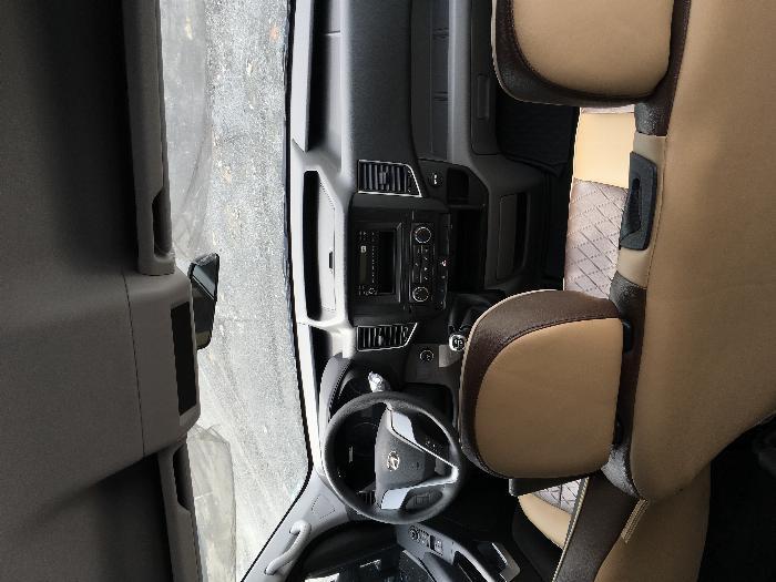 Hyundai Solati 2019 Ghế Universe Trả Góp, Solati Ghế U Giao Ngay 4