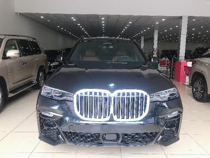 Bán BMW X7 xDrive 40i NHẬP MỸ Model 2020, màu đen,nội thất nâu, mới 100%,xe giao ngay.