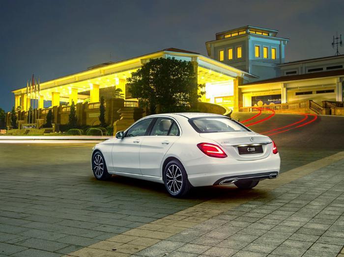 Bán Mercedes C200 Đủ Màu - Giao Ngay - Giá Cạnh Tranh