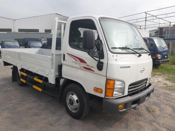 Giá Xe Tải 2.5 Tấn Hyundai N250SL 2019 Thùng Lửng