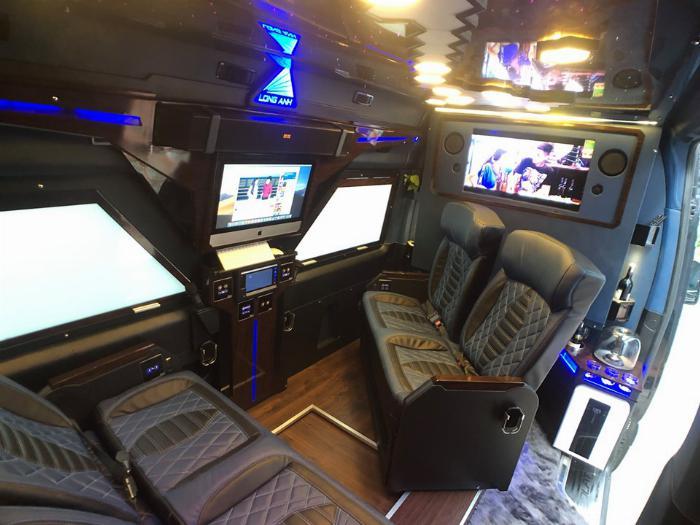 Solati iRICH - Limousine tiêu chuẩn mới của thế giới do Việt Nam sản xuất