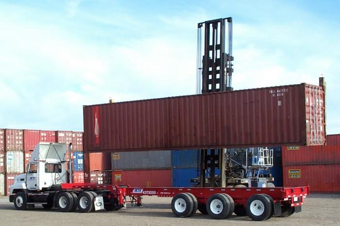 Tìm hiểu xe đầu kéo, xe đầu kéo container là gì?