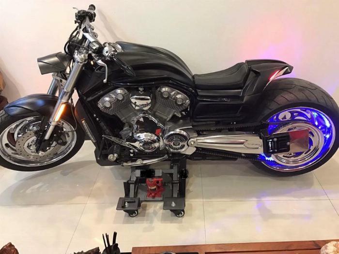 Chống nâng, xoay xe moto giá rẻ