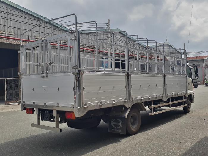 Xe tải hino mui bạt 6 tấn 2 chân thùng dài 6.6 m trả góp giá rẻ
