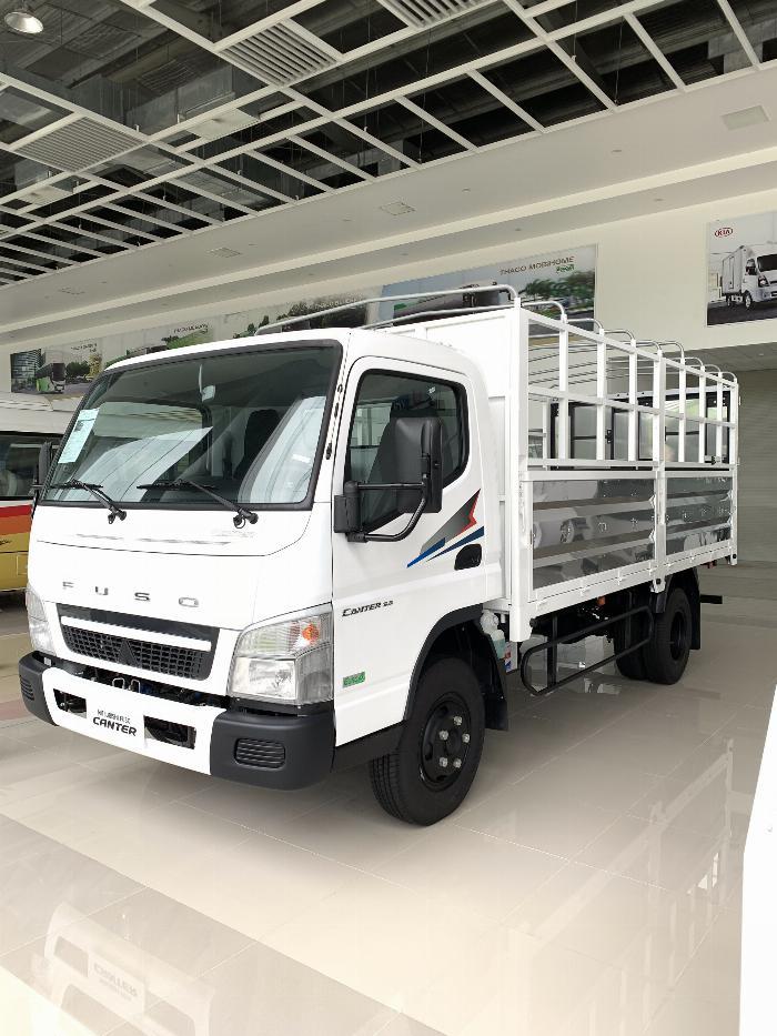 Xe tải Mitsubishi FUSO CANTER 6.5 tải trong 3,4T 3