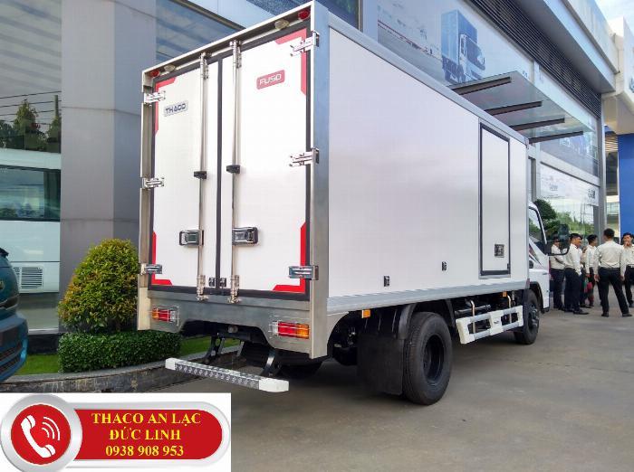 Xe tải Mitsubishi Fuso thùng Đông lạnh dài 4,3m. Chạy trong khu vực thành phố