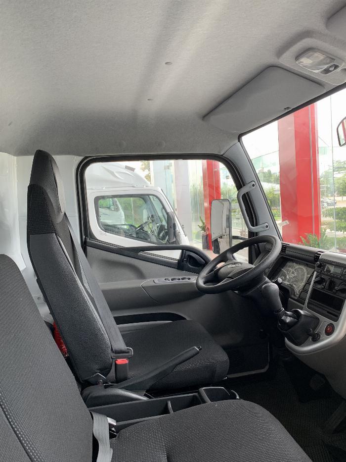 Xe tải Mitsubishi FUSO CANTER 6.5 tải trong 3,4T 1