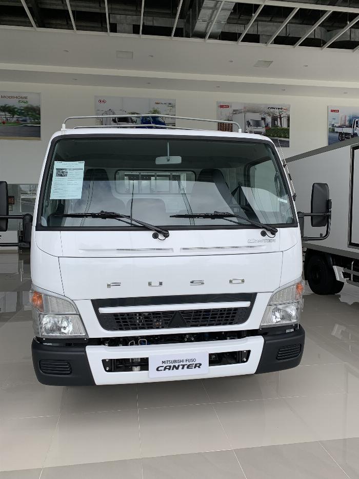 Xe tải Mitsubishi FUSO CANTER 6.5 tải trong 3,4T 2