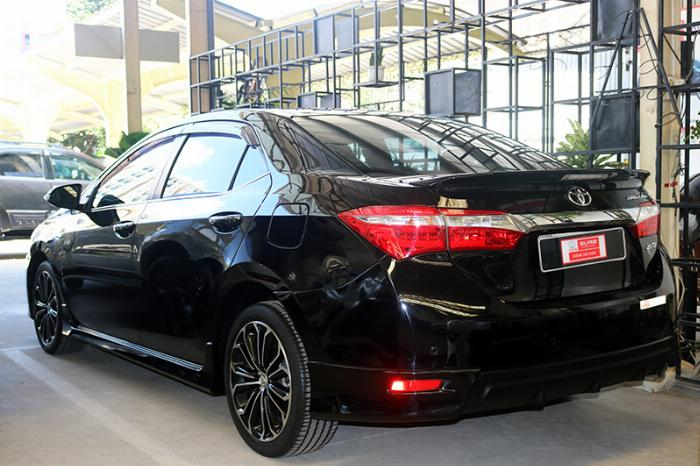 Bán  xe Altis 2.0V sx 2014 màu đen, đậm chất thể thao, động cơ mạnh mẽ