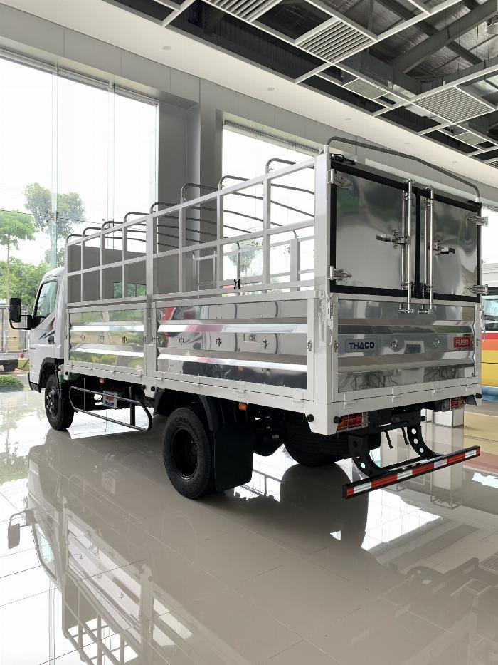 Xe tải Mitsubishi FUSO CANTER 6.5 tải trong 3,4T 4