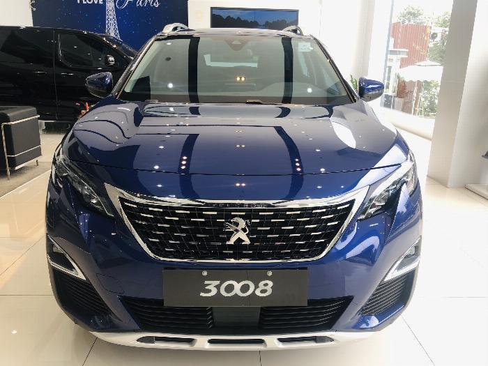Peugeot 3008 Giá ưu đãi tháng 10 màu Xanh + Đỏ