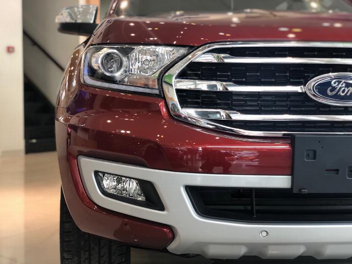 Ford Everest Titanium Full Option Giảm 70 Triệu 3