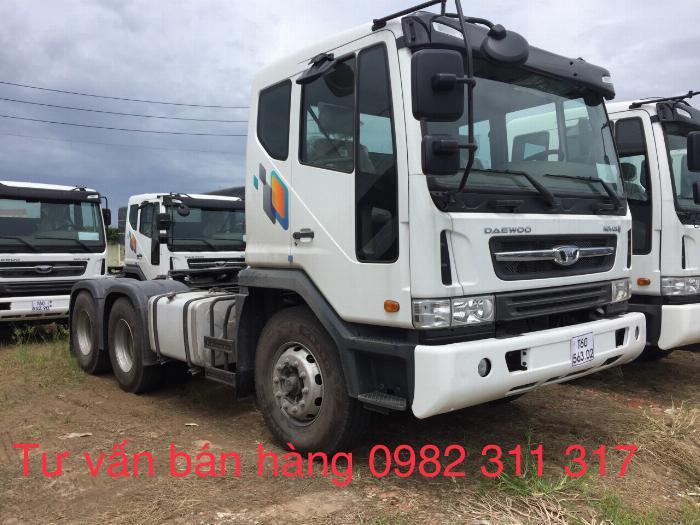 Xe đầu kéo daewoo 2 cầu 40 tấn mới nhất nhập khẩu nguyên chiếc giá tốt 2