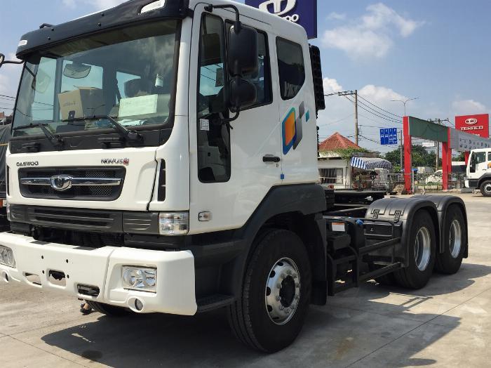 Xe đầu kéo daewoo 2 cầu 40 tấn mới nhất nhập khẩu nguyên chiếc giá tốt 1