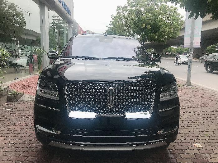 Bán Lincoln Navigator Black Label L bản cao cấp nhất Model 2020,màu đen,xe giao ngay .