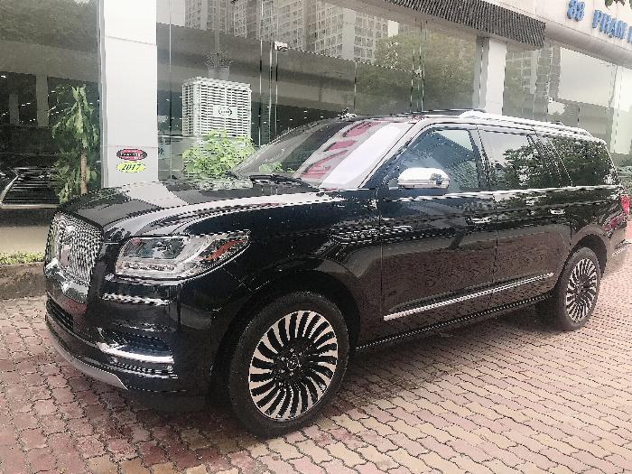 Bán Lincoln Navigator Black Label L bản cao cấp nhất Model 2020,màu đen,xe giao ngay . 0