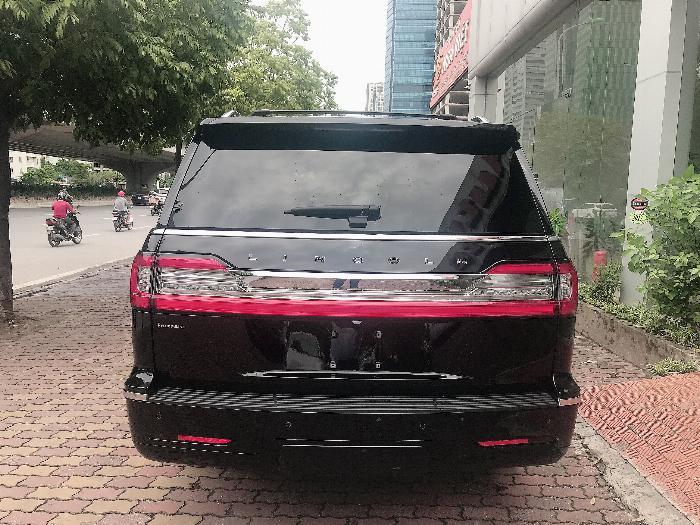 Bán Lincoln Navigator Black Label L bản cao cấp nhất Model 2020,màu đen,xe giao ngay . 3
