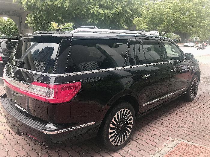 Bán Lincoln Navigator Black Label L bản cao cấp nhất Model 2020,màu đen,xe giao ngay . 5