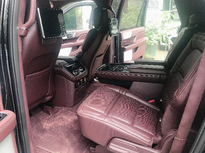 Bán Lincoln Navigator Black Label L bản cao cấp nhất Model 2020,màu đen,xe giao ngay . 9