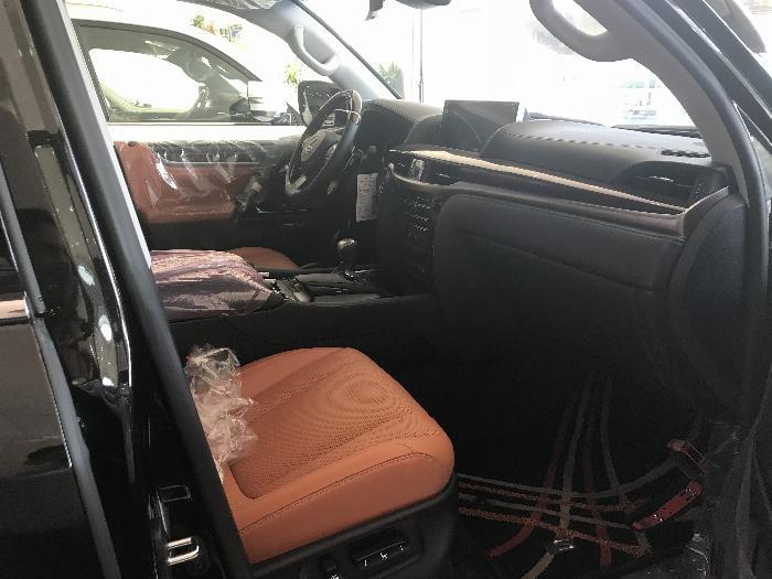 Bán Lexus LX570 Super Sport ,nhập khẩu nguyên chiếc từ trung đông ,Model 2020,xe giao ngay . 6