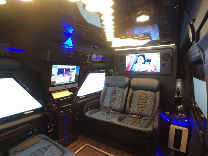 Solati iRICH - Limousine tiêu chuẩn mới của thế giới do Người Việt sản suất