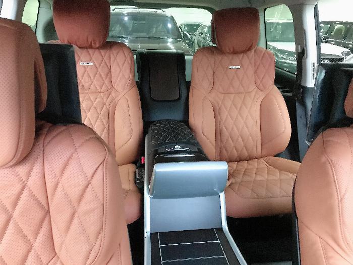 Bán Toyota Landcruise 5.7 VXS,4 ghế Massge Vip,Model 2020,xe giao ngay . 9