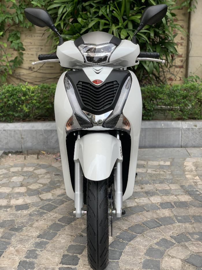 Cần bán SH Việt 150 ABS 9/2019 chạy 700km - mới tinh 9