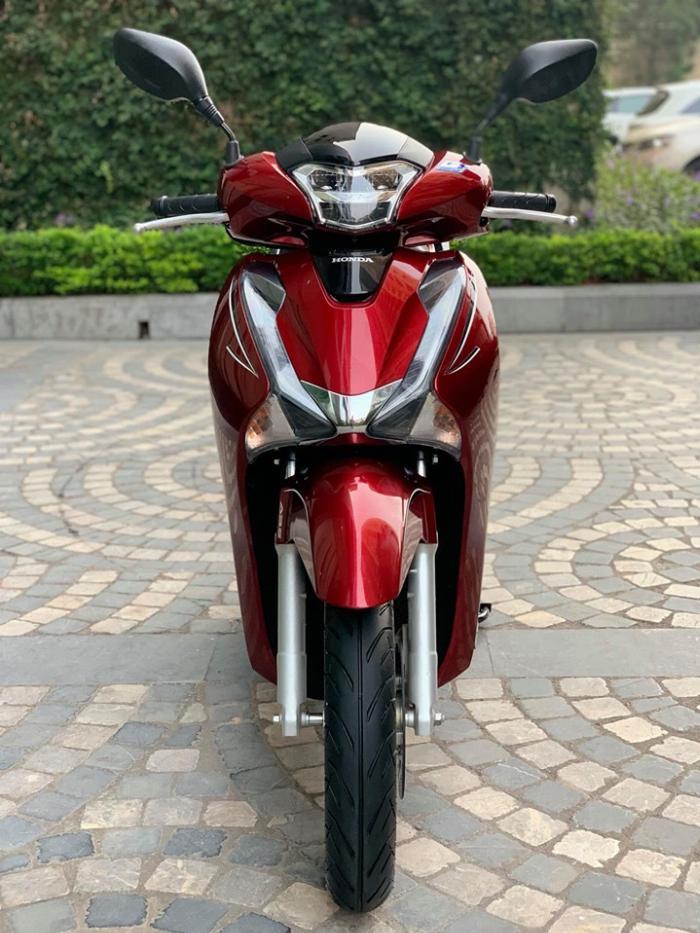Cần bán SH việt 150 ABS cuối 2018 màu Đỏ quá mới 0