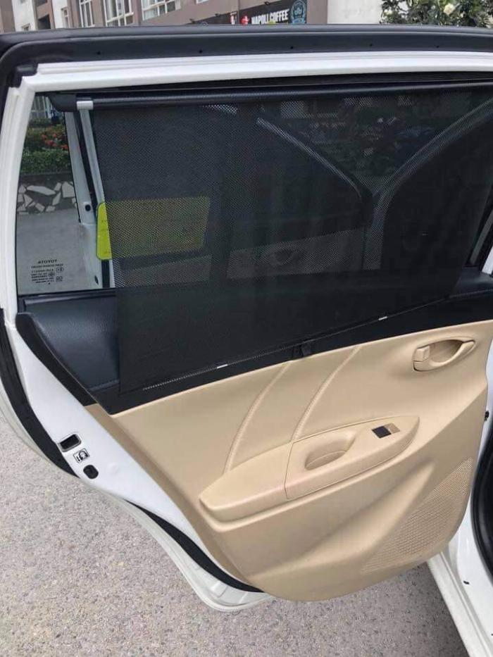 Đổi xe nên bán chiếc Toyota Yaris E , xe nhà đi còn mới .