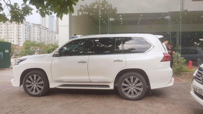 🚘Bán Lexus Lx570 màu Trắng nội thất Kem bản Super Sport sản xuất 2016 đ.ký lần đầu 2019 tên Công ty.