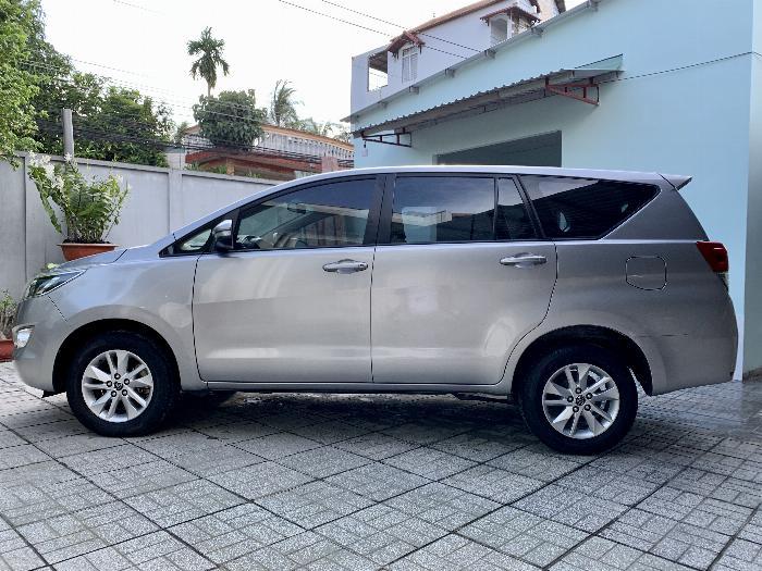 Toyota Innova 2.0 E MT 11/2016