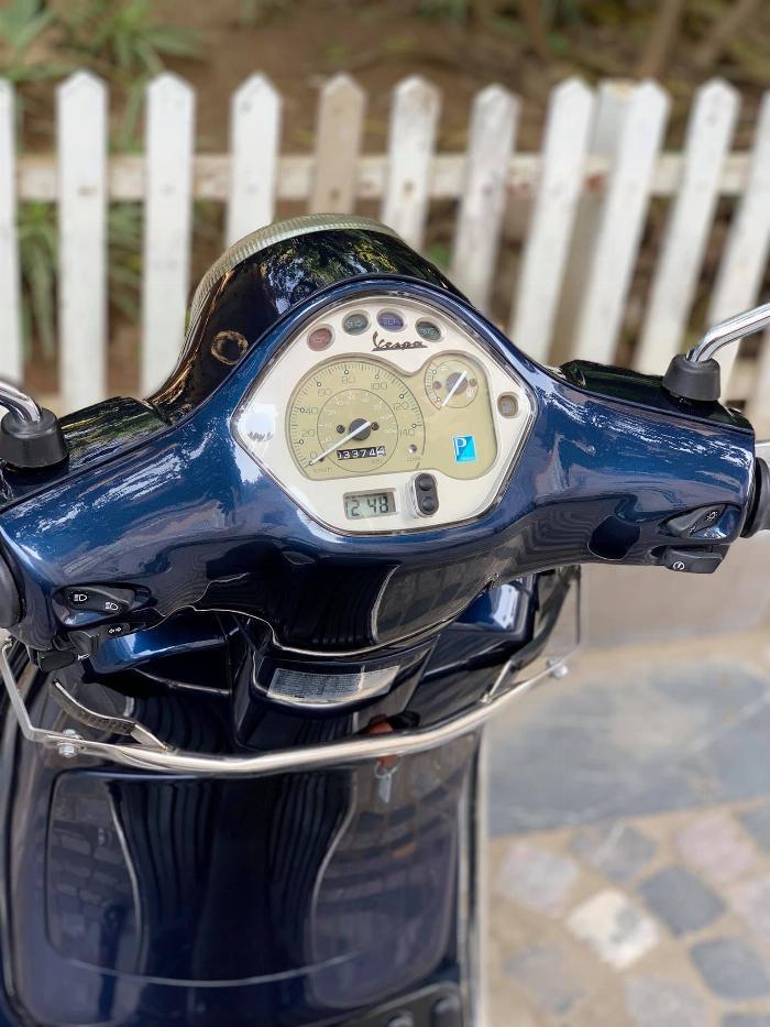 Cần bán Vespa LX 125 iGet 12/2017 màu xanh tím như mới- Biển Vip 11