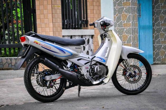 Suzuki GRV 120R màu xám