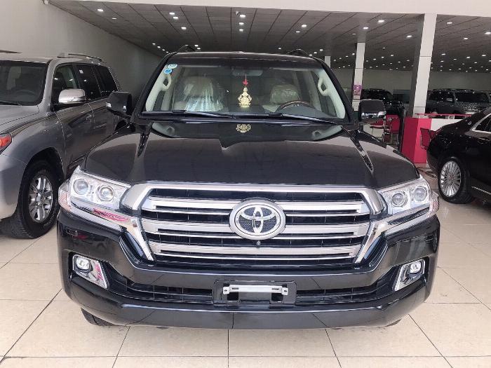 Bán Toyota Land Cruise 4,6,sản xuất và đăng ký 2016,biển Hà Nội,xe siêu chất .