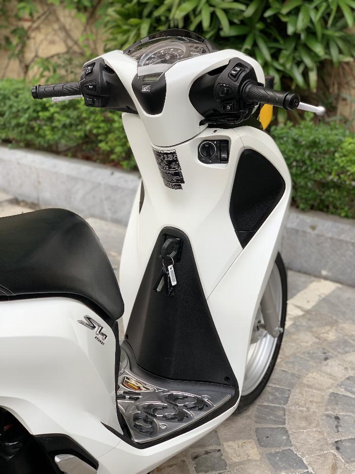 Cần bán SH Việt 150 ABS cuối 2018 màu Trắng cực đẹp, như mới 2