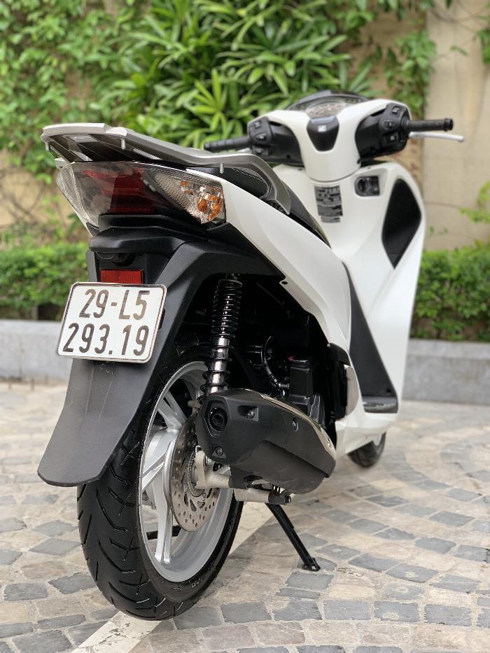 Cần bán SH Việt 150 ABS cuối 2018 màu Trắng cực đẹp, như mới 1
