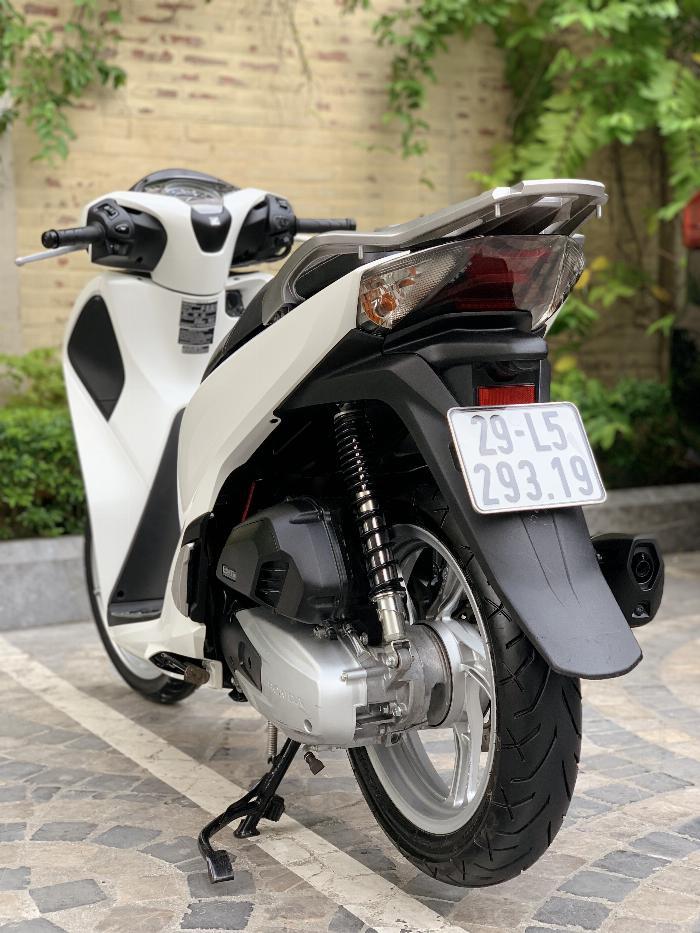 Cần bán SH Việt 150 ABS cuối 2018 màu Trắng cực đẹp, như mới 0