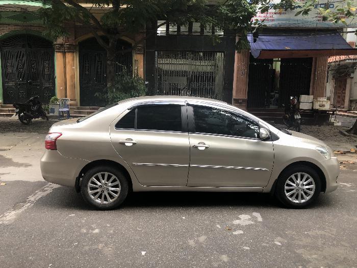 Gia đình bán xe VIOS 1.5E màu ghi vàng, sx cuối 2011, một chủ sử dụng từ đầu