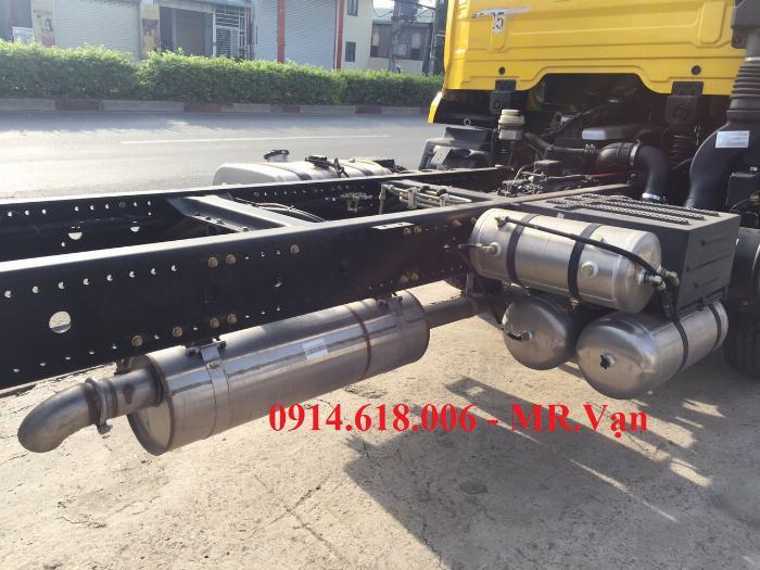 Xe tải DONG FENG B180 thùng dài 9m5, xe nhập, động cơ của mỹ , giá tốt 2