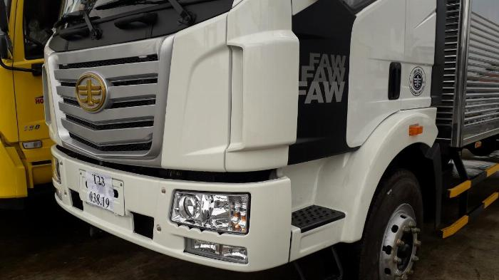 Xe tải thùng Faw 8 tấn thùng dài 9m7 0