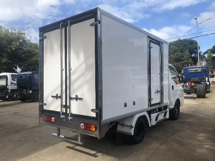 Giá xe tải Hyundai H150 thùng kín composite, hỗ trợ trả góp 80% LS thấp 7