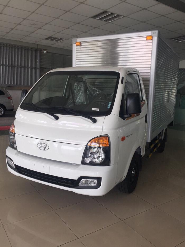Giá xe tải Hyundai H150 thùng kín composite, hỗ trợ trả góp 80% LS thấp 9