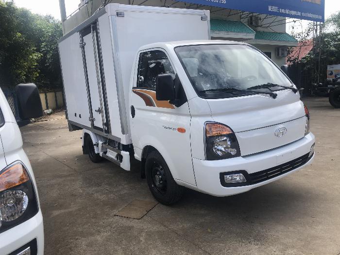 Giá xe tải Hyundai H150 thùng kín composite, hỗ trợ trả góp 80% LS thấp 11