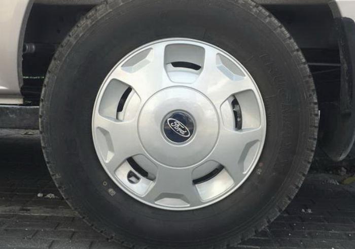 Xe Ford Transit Standard MID 2019 - 705 Triệu 2