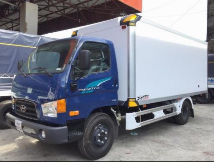 Bán xe tải Hyundai 110SP 7 tấn thùng kín, chỉ 200 triệu nhận xe ngay
