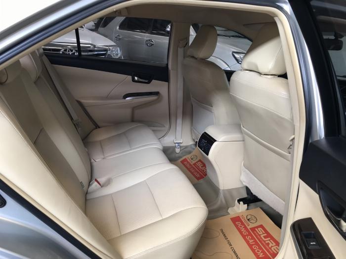 Bán xe Camry 2.5G sx 2015 màu bạc, tặng ngay trước bạ và bảo hiểm 2 chiều