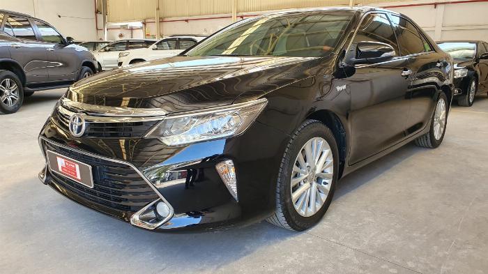 Bán xe Camry 2.0E sản xuất 2018 màu đen VIP, giá cực đẹp 3