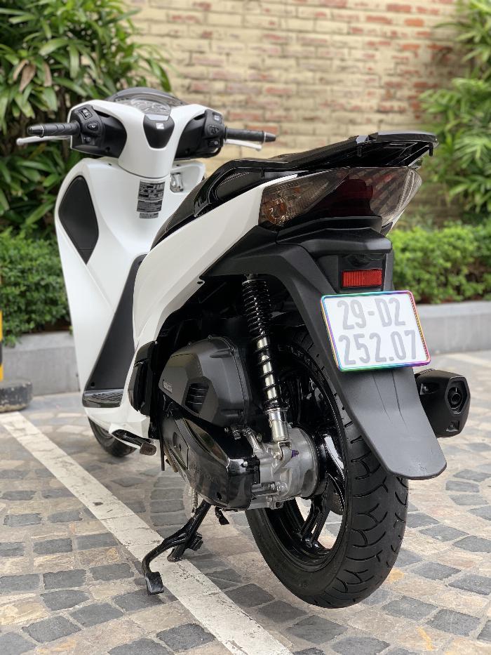 Cần bán SH Việt 150 ABS 2018 màu Trắng -Biển phố Vip