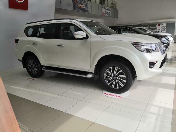 Nissan Terra V giảm 100 triệu đồng