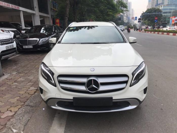 Cần Bán Xe Mercedes Benz GLA 200 2015